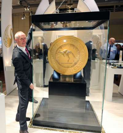 Lawrence Chard with the 2012 Australian Kangaroo One Tonne Gold Coin